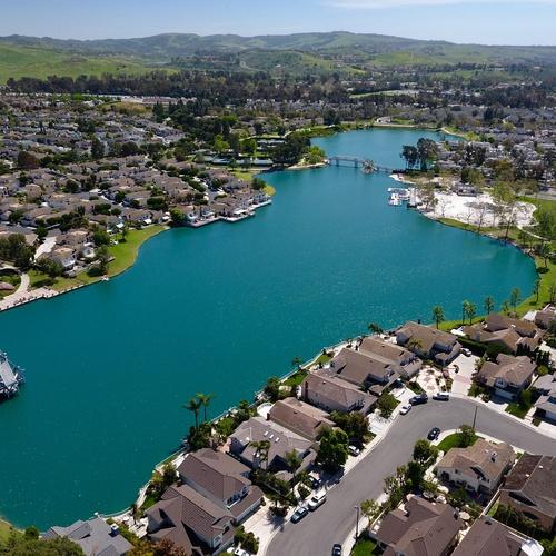 Irvine Woodbridge Lake