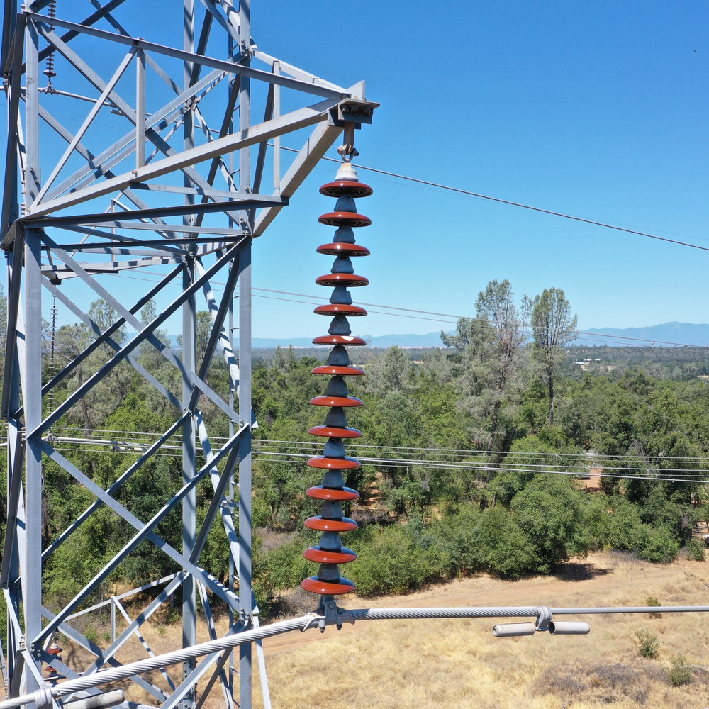 Shasta WAPA Cottonwood East Tower Cylindrical Insulators