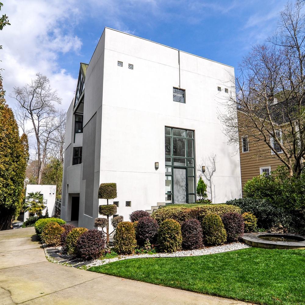 Ground Photos - Exterior Real Estate