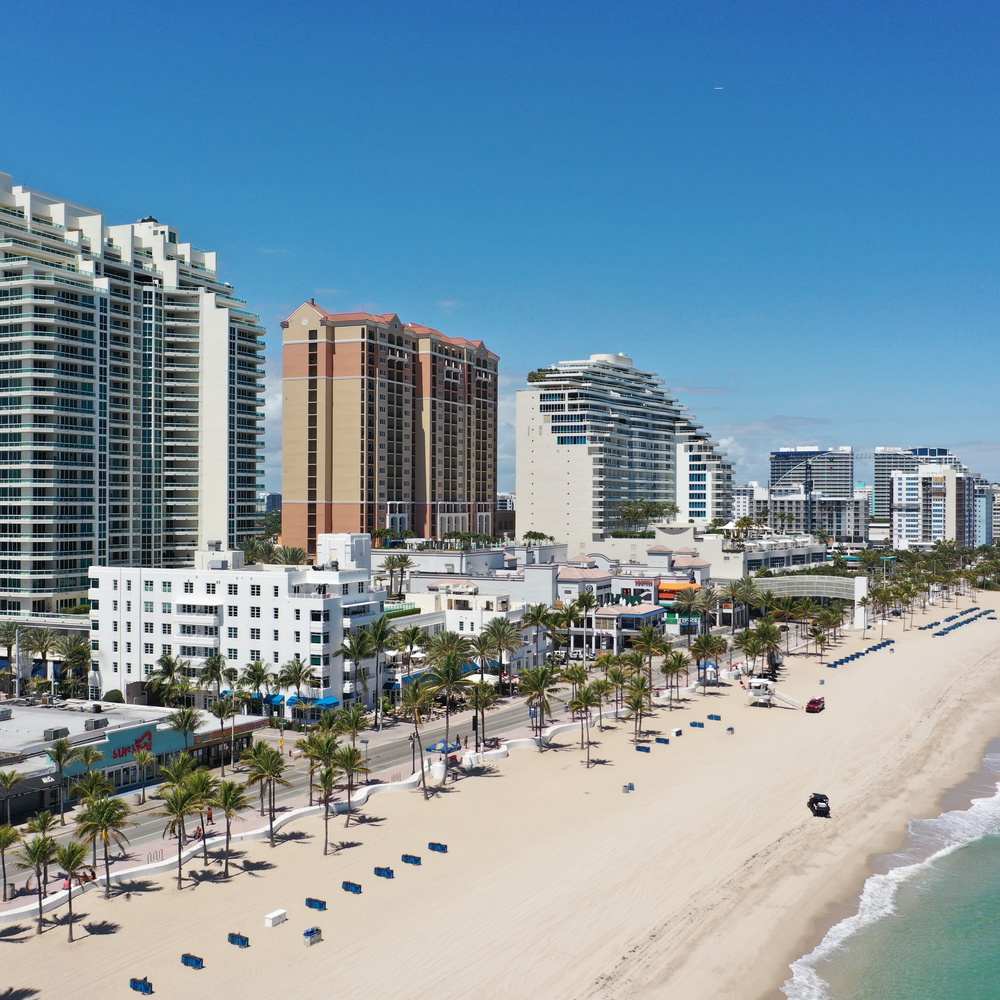 Fort Lauderdale Beach empty due to Covid-19 lockdown