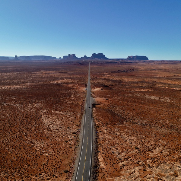 Monument Valley UT Forest Gump road