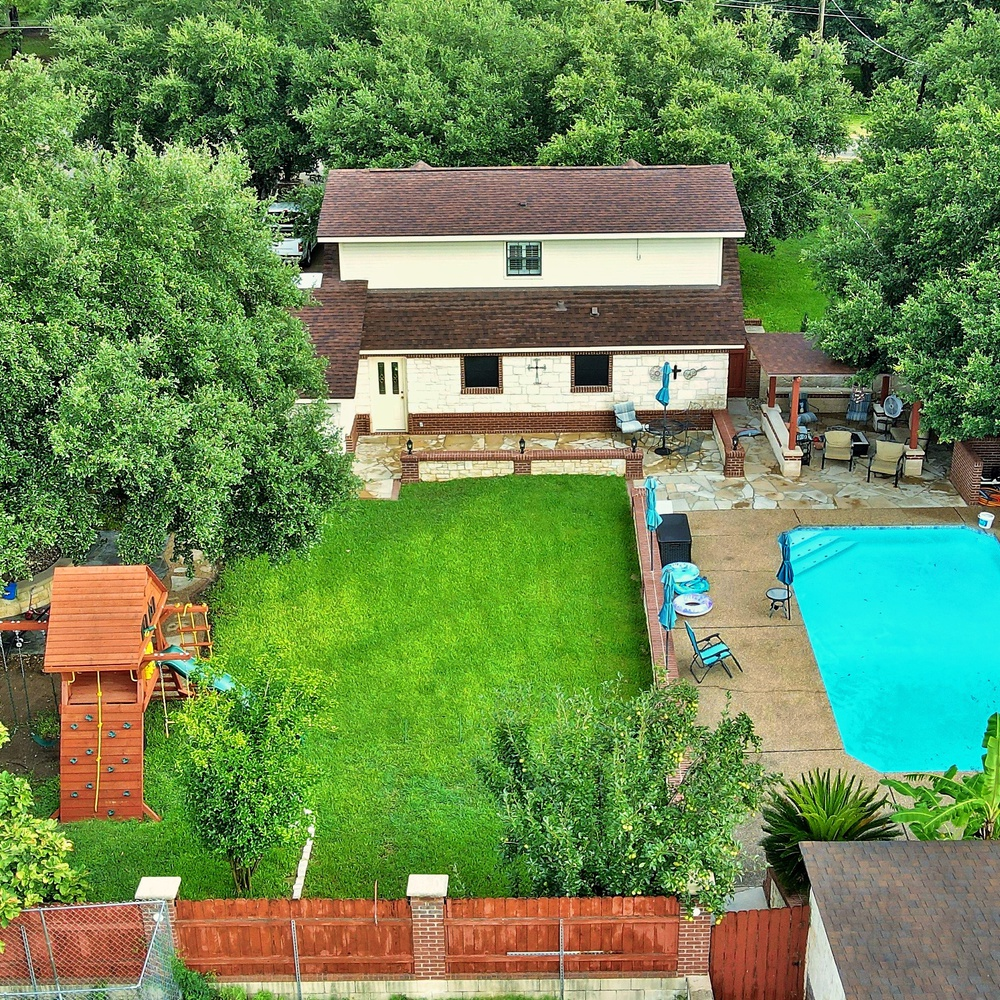 Back yard of real estate.