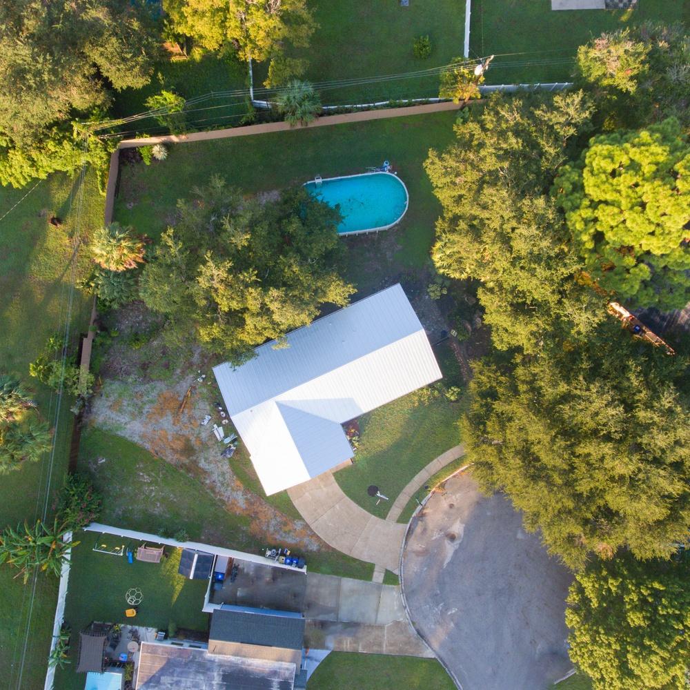 House overhead whole lot