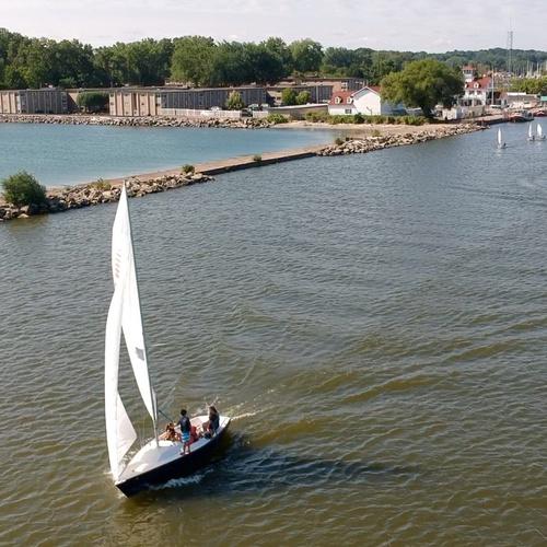 Sailing onto Lake Ontario