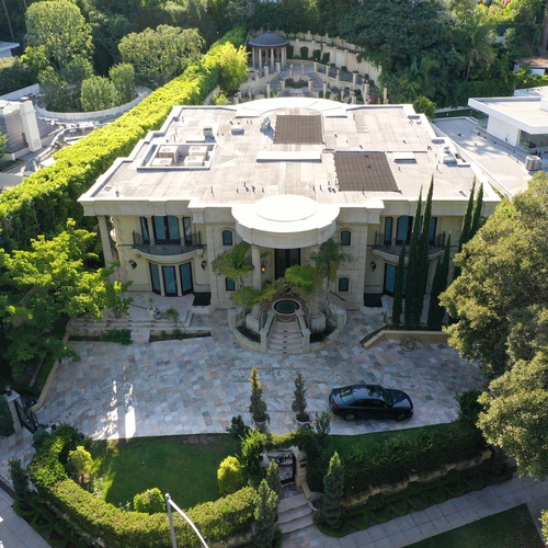Home in Beverly Hills designed by architect Hamid Omrani