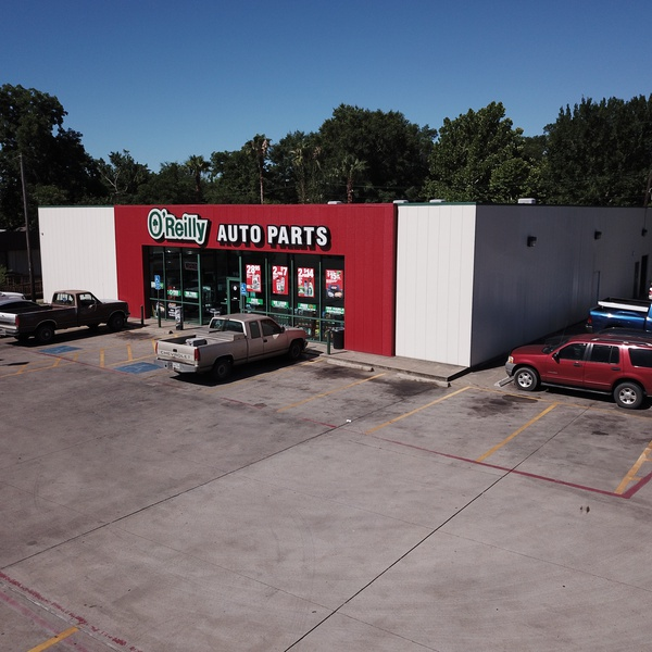 Low shot of O'Reilly Auto Parts